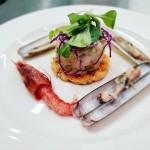 Cruditè di gamberi rossi con torcione di foie gras, pan brioches e cannolicchi